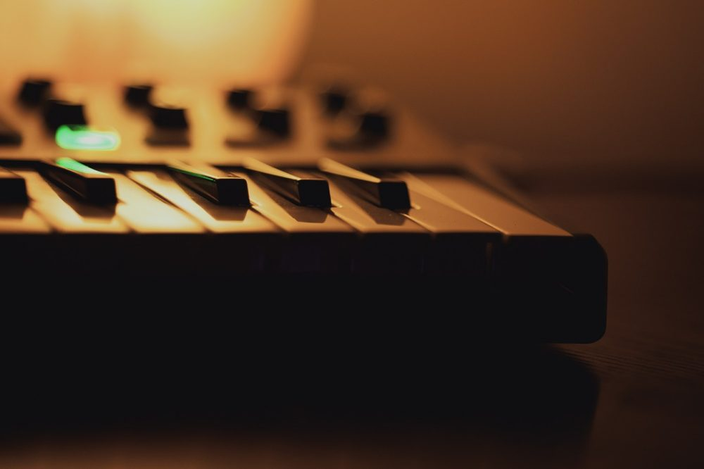 midi keyboard controller for beginners