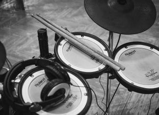 Best Electronic Drum Sets Under 1000 dollar