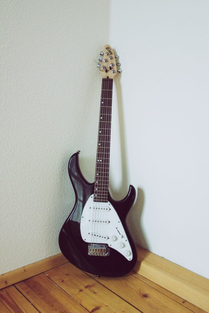 best electric guitars under 100 dollars