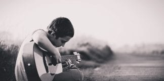 best acoustic guitar kids