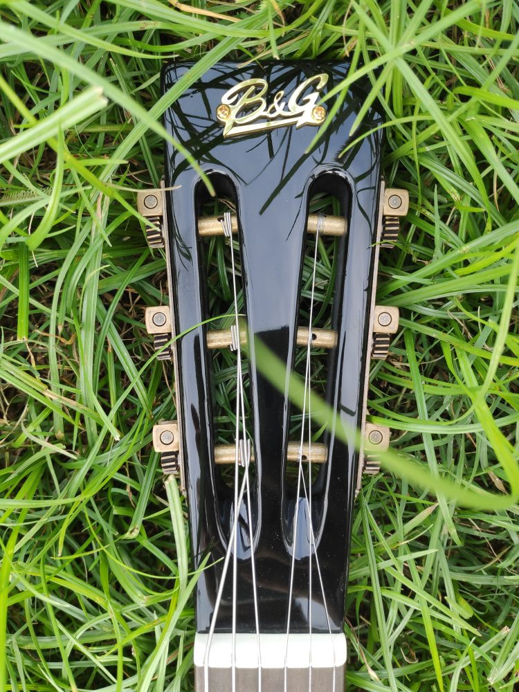 b and g little sister crossroads electric guitar headstock