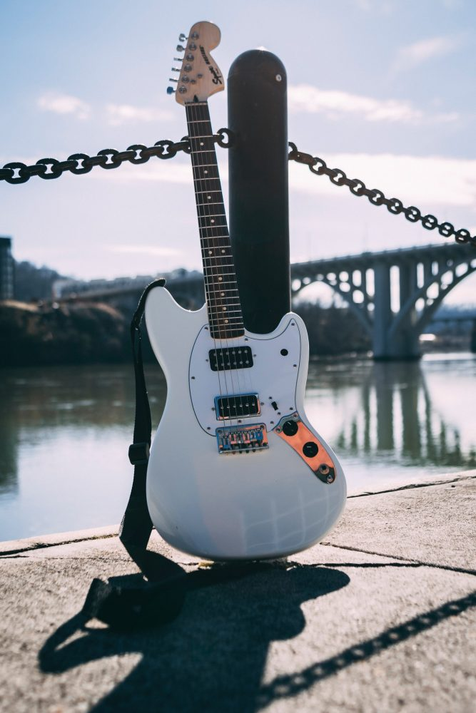 10 Best Electric Guitars for Beginners in 2019 (Buying Guide