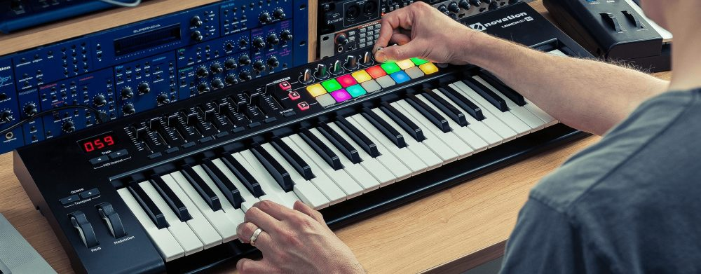 Novation Launchkey midi in action