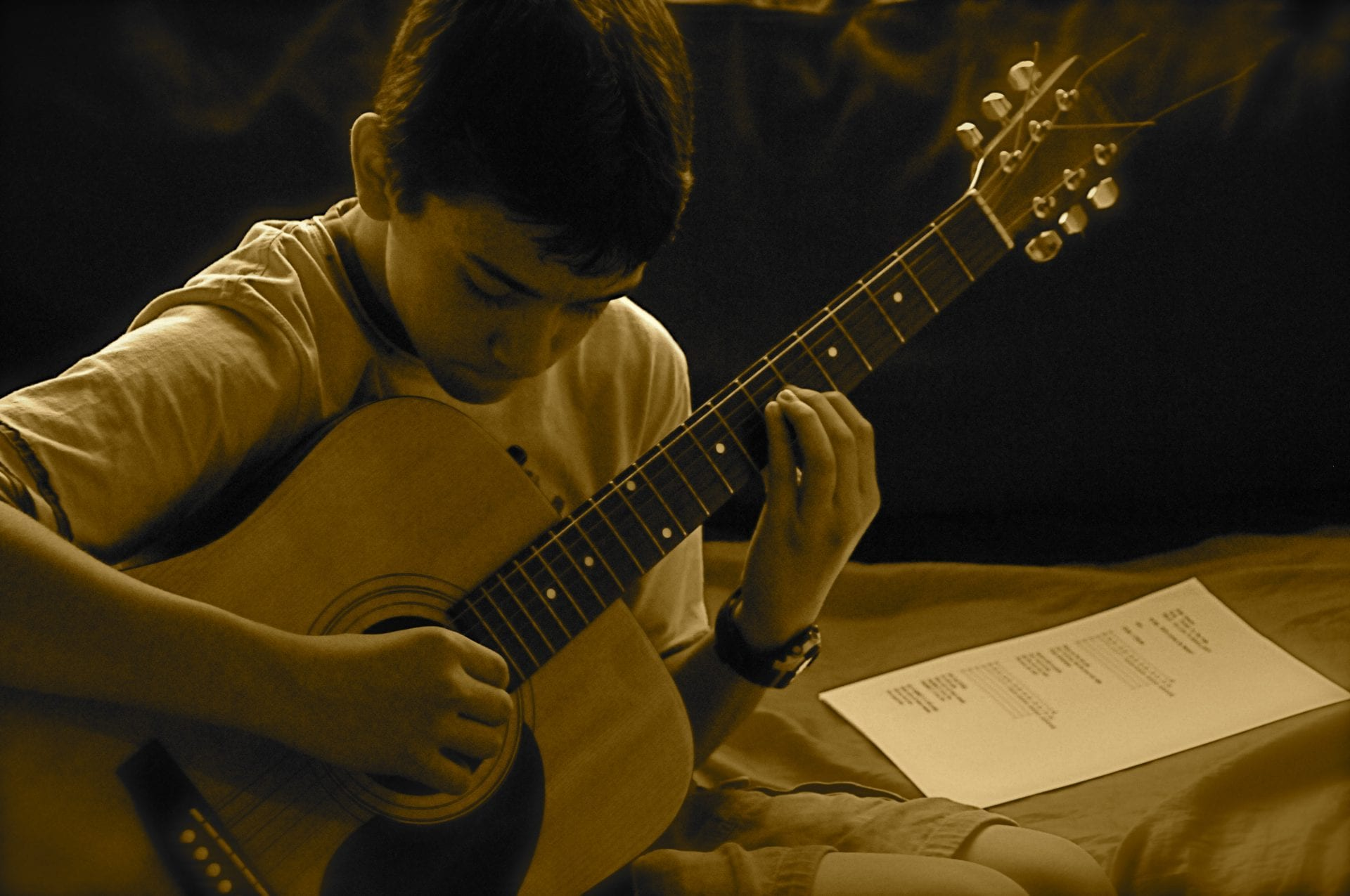 Can You Teach Yourself to Play Guitar?
