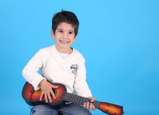 What is the Right Age for Learning Guitar